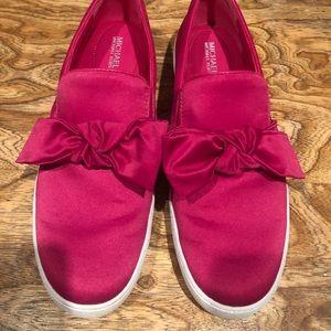 Very nice Michael Kors hot pink shoes sz 10